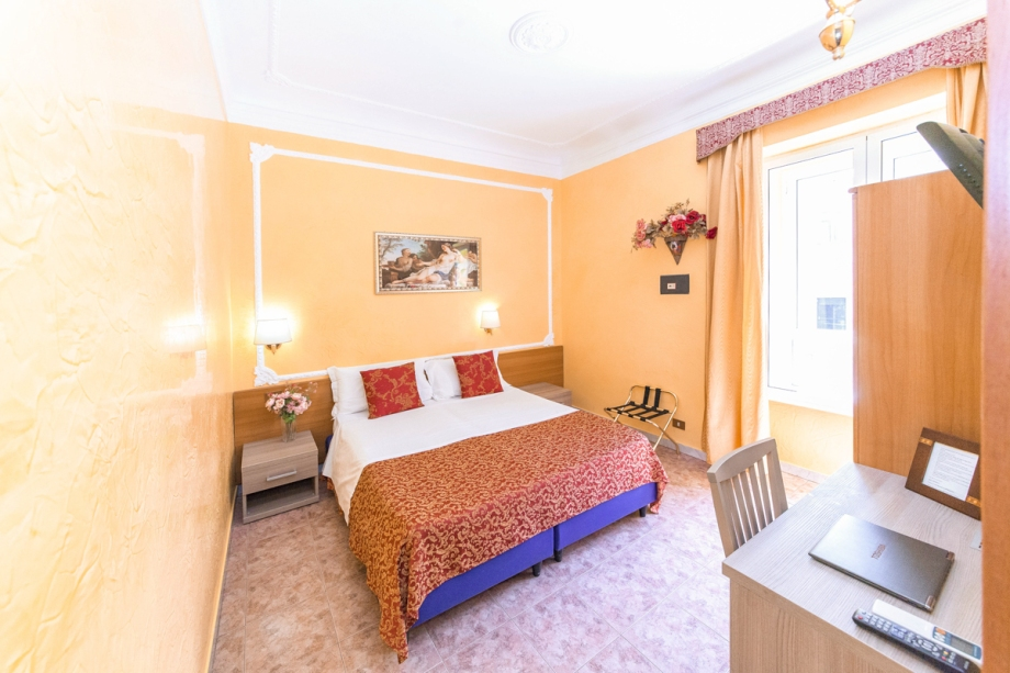 Downtown Accommodation in Rome